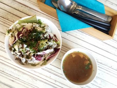 おしゃれ カフェ サラダ 海藻 スープ コンソメ 美味しい おいしい 自由が丘