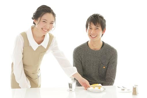 人物 女性 男性 男子 女子 若い カップル アベック 夫婦 新婚 ランチ 食事 テーブル 着席 ケーキ デザート スイーツ おやつ 甘味 食後 軽食 飲食 主婦 白バック 白背景 日本人 日本人  mdjm008 mdjf026