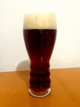 ビール beer アルコール 飲み物 飲料 アルコール飲料 麦芽 酵母 グラス ガラス 泡 ビア ale エール モルツ 黒 ブレンド コク のどごし 黒ビール 発泡酒 濃い うまい おいしい 冷たい 一杯 乾杯