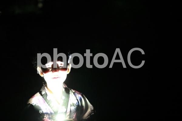 下からのライト ホラー 恐怖の写真