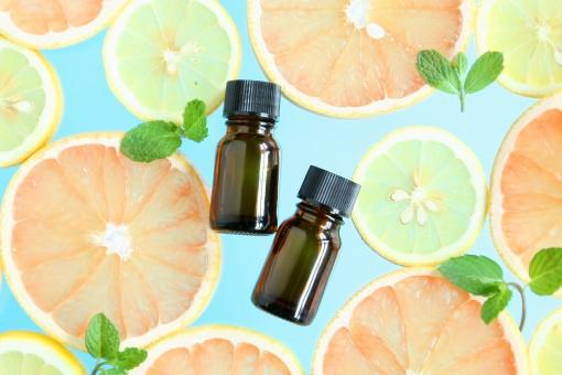 エッセンシャルオイル アロマセラピー アロマテラピー 香り 芳香 エッセンス ミント 葉っぱ 葉 ボトル 癒し リラクゼーション 柑橘類 美容 健康