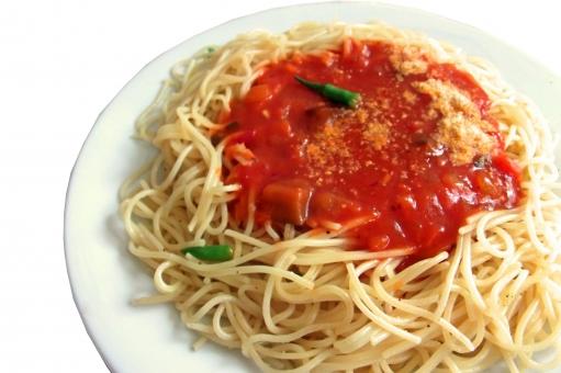 パスタ pasta スパゲッティ スパゲッティー 麺 麺類 めん類 洋食 西洋料理 イタリア料理 イタリアン イタ飯 トマトソース 夏野菜 食べ物 食品 食材 料理 調理 gourmet グルメ 食事 食卓 食事の風景 食卓の風景 白抜き 型抜き 皿 食器 食糧