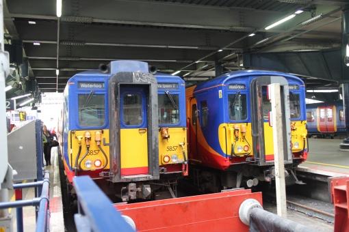 イギリス england unitedkingdom greatbritain uk ロンドン london ヨーロッパ 欧州 europe 交通 traffic 電車 train 駅 station