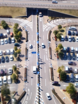 ミニチュア トイフォト アートフィルター 車 クルマ くるま 駐車場 一宮 R22 138 ツインアーチ ツインアーチ138 タワーパーク