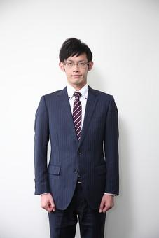 男性 ビジネスマン 営業 会社員 サラリーマン 社員 男 ビジネス  Men 男子  20代 30代 ビジネススーツ 背広 ネクタイ シャツ  室内 ジャケット 出勤 勤務 働く めがね 眼鏡  メガネ 背景白 若い 日本人 mdjm019
