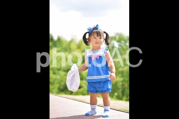1歳の女の子の写真