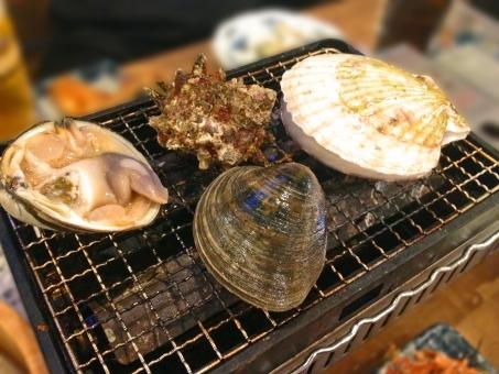 浜焼き 焼き物 網焼き 貝 貝類 魚介 魚貝 魚介料理 魚貝料理 海鮮 海鮮料理 日本食 和食 日本料理 食べ物 食材 料理 調理 グルメ ほたて 帆立 ホタテ サザエ さざえ 栄螺 蛤 はまぐり ハマグリ 白蛤 ホンビノスガイ