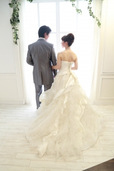 結婚式 ドレス 新郎 新婦 ウエディングドレス