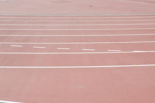 国立競技場 国立霞ヶ丘陸上競技場 スポーツ 運動 トラック グラウンド グランド コース 白線 レーン 陸上競技 競技種目 長距離走 中距離走 短距離走 リレー 走る 地面 スタジアム 競技場 会場 建物 建造物 建築物 施設 東京オリンピック オリンピック東京大会