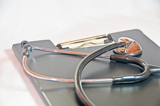 カルテ ファイル 聴診器 医者 健康 医療 病院 器具 病気 看護師 看護 ナース 看護婦 検査 看護士 ヘルスケア 診察 メディカル 診療 医療従事者 医療イメージ 検診 入院 医療器具 病気 白バック 白背景