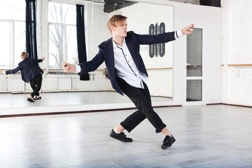 テーマパークダンサーオーディション男性服装