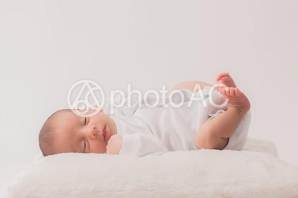 ロンパースを着た赤ちゃん15の写真