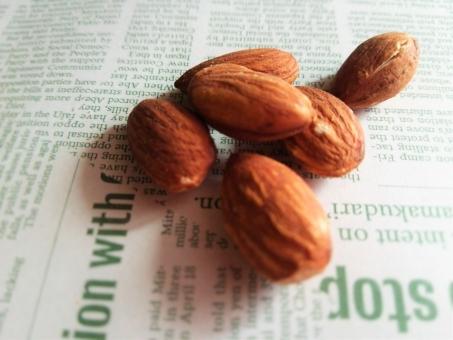 アーモンド あーもんど なっつ ナッツ ミックスナッツ みっくすなっつ マメ まえ 豆 おつまみ 栄養 栄養豊富 健康食 えいよう えいようほうふ 健康 けんこうしょく けんこう 食材 しょくざい 材料 ざいりょう