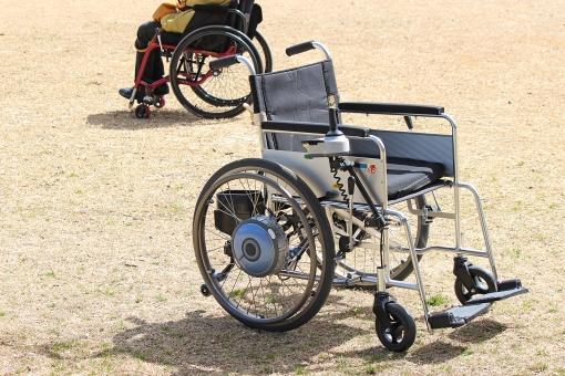 車いす 簡易電動車いす ウィールチェアー ウイールチェアー 二輪車 四輪車 介助 介護 移送 障碍 障がい 障害 モーター付き 充電器付 ジョイスティック 車椅子 車イス