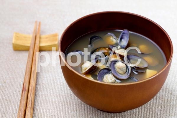 シジミの味噌汁の写真