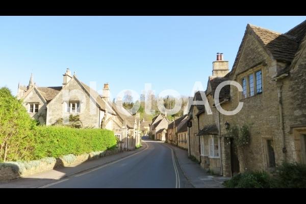 イギリスの田舎村の写真