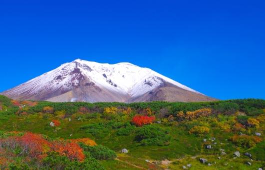 快晴 山 旭岳 北海道 紅葉 高山 やま 初雪 万年雪 大自然