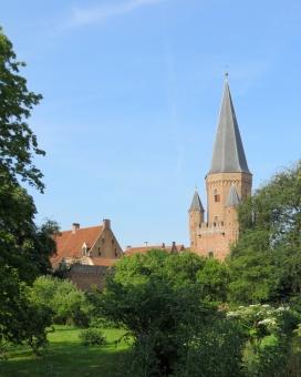 緑 木 森 林 塔 タワー 家 建物 青空 空 夏 海外 外国 ヨーロッパ おとぎの国 昔話 童話 メルヘン