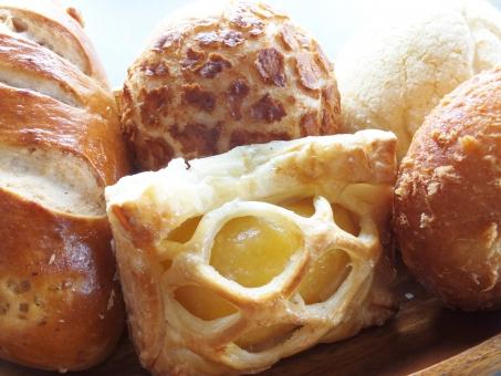 パン パン屋 パン屋さん バケット 菓子パン クルミパン くるみパン チーズパン メロンパン カレーパン アップルパイ ぱん 小麦粉 主食 炭水化物 アラカルト いろいろ たくさん 複数 リンゴ りんご 胡桃 クルミ カレー メロン チーズ 朝食 アップル パイ 揚げパン