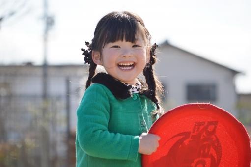 笑顔 女の子 子供 子ども こども 笑う 楽しい 遊ぶ 公園 家 mdfk023