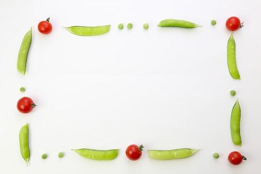 野菜 えんどう エンドウ 豌豆 スナップえんどう スナップエンドウ 食材 新鮮 室内  素材 きれい 鮮やか 可愛い 無人 飲食 美味しい 新鮮な 鮮やかな   背景  食べ物 食べる 健康 フレッシュ 自然 ダイエット ベジタブル ベジタリアン ビーガン マクロビオティック 菜食 整列した 整列 並ぶ 料理 買い物 スーパー 粒 転がる グリーンピース ミニトマト トマト フレーム 野菜フレーム 枠