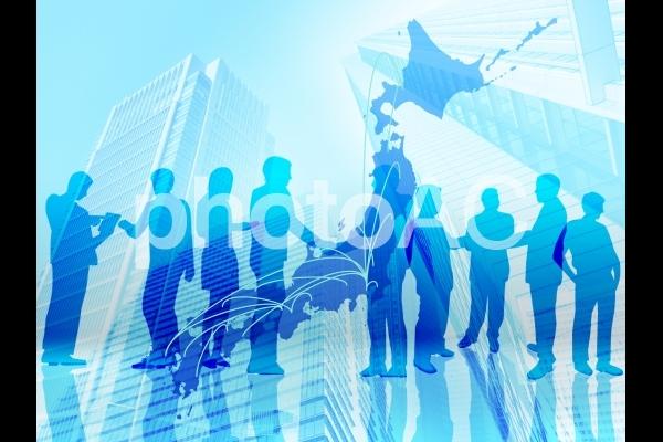 日本のビジネスネットワーク-複数のビジネスマンの写真