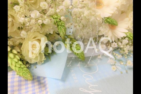 清楚な白いブーケの写真