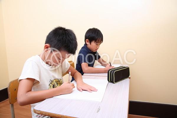 授業中の子供1の写真
