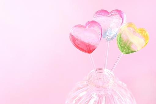 キャンディ スイーツ ハート バレンタイン バレンタインデー カラフル 食べ物 おやつ かわいい 恋 恋愛 愛 love ラブ ガーリー コピースペース ピンク