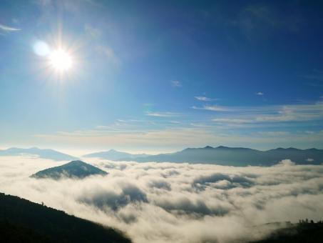 星野リゾート トマム 雲海 雲海テラス 自然 幻想的 絶景 青空 太陽 北海道 景色 美しい beautiful 風景 雲