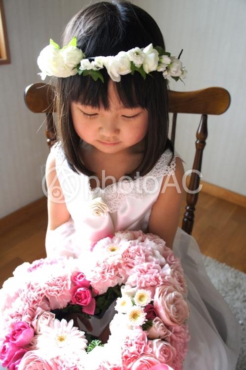 花冠をかぶった女の子38の写真