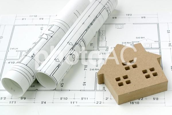 設計図と家2の写真