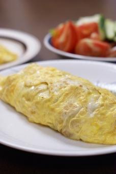 オムレツ 肉じゃが 卵 夕食 家庭料理