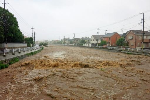 濁流 豪雨 雨 大雨 川 河川 天候 天気 洪水 水害 激流 濁る 災害 土砂 氾濫 急流 勢い 台風 鉄砲水 集中豪雨 危険