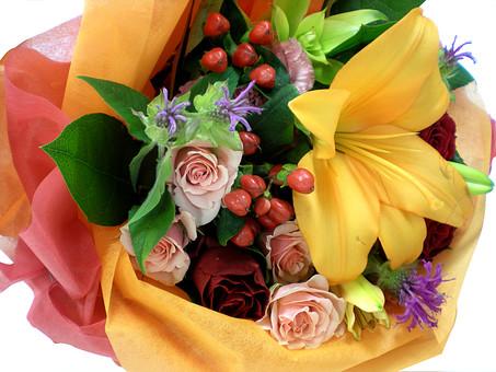 花 プレゼント ギフト フラワー フラワーギフト バラ 薔薇 植物 種子植物 花弁 花びら 造花 白背景 白バック ホワイトバック 葉 葉っぱ 緑 花束 おくり物  賜り物 贈もの 祝儀 贈答品 贈呈