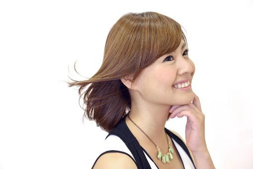 髪がなびく女性1の写真