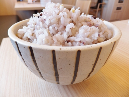 五穀米 穀米 雑穀米 十穀米 雑穀 米 ライス ご飯 ごはん 茶碗 椀 和食 日本食 ヘルシー 健康 昔 黒米 麦 ムギ 黒ごま ごま 栄養 大盛り 玄米