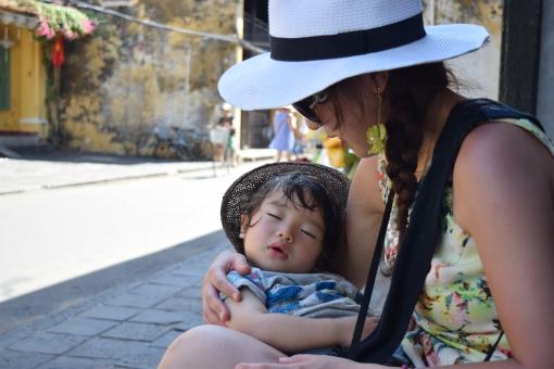 夢 母 母親 愛情 愛してる 子供 子ども こども 赤ちゃん あかちゃん 抱っこ だっこ 育む ハグ ぎゅっ 抱きしめる 抱き締める 大好き 宝物 ドリーム 夢中 夢の中 夏 サマー