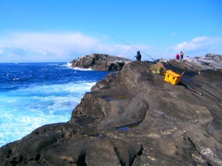 海 釣り 海釣り 磯釣り 空 磯 岩 岩場 釣り場 釣り人 三浦海岸 三浦半島 大漁 趣味