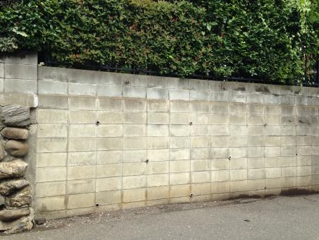 ブロック塀の倒壊被害は所有者責任?