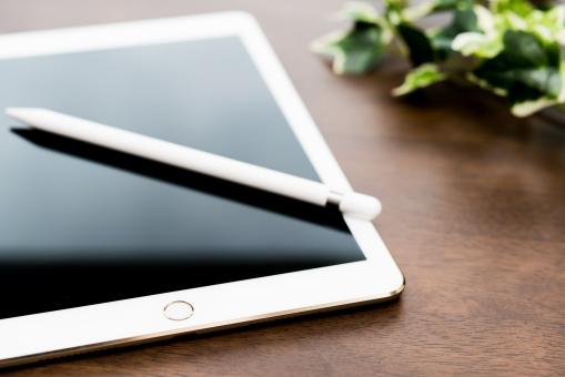 タッチパネル タブレット 電化製品 ペン 書く スケジュール ノート ビジネス イラスト メール ブログ モバイル ソーシャルネット インターネット 便利 きれい