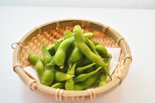 枝豆 エダマメ えだまめ ザルにはいった枝豆 おつまみ 居酒屋 緑の豆 ビールのおつまみ お酒のおつまみ お通し