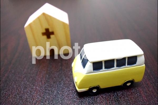 病院・教会・バス・送迎バスの写真