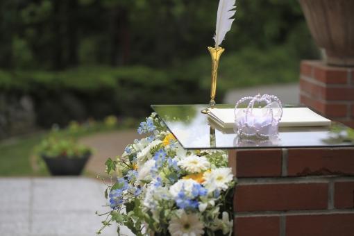 結婚式 ブライダル 挙式 参列 新郎新婦 花 ブーケ 神前式 人前式 教会 チャペル