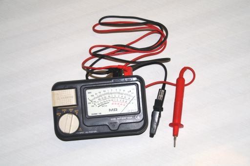 測定器 工具 道具 精密機器 工業 電気工事 メガー ω 電気屋 絶縁