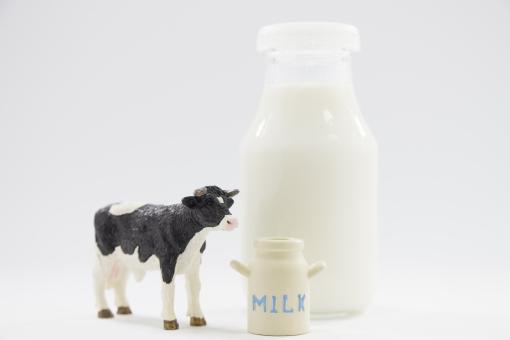 牛乳瓶の写真素材 写真素材なら「写真AC」無料(フリー)ダウンロードOK