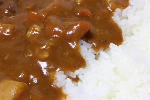 カレーライス ライス カレーとご飯 ルー カレールー ご飯 食事 定番 レトルト レトルトカレー インスタントカレー 家のカレー 家庭のカレー 母のカレー 母親のカレー 美味しい おいしい オイシイ うまい ウマイ 旨い 日本 JAPAN 海外 外国人 好き 嫌い 人気 メニュー レシピ