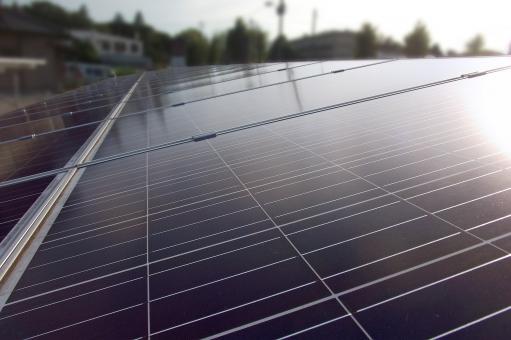 太陽光発電 太陽エネルギー 太陽電池 太陽光パネル 代替エネルギー 発電 発電システム 省エネ 省エネルギー エコロジー 環境 設備 施設 建物 建造物 建築物 ソーラーパネル ソーラーシステム ソーラー発電