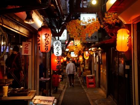 新宿の飲み屋街「思い出横丁」の写真