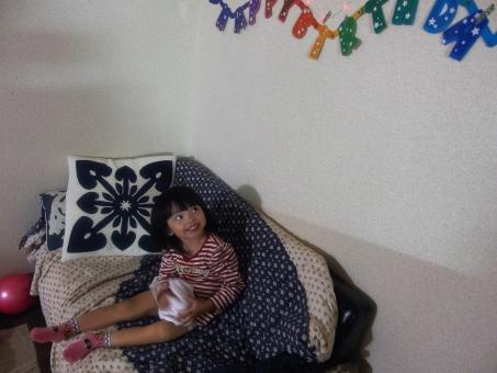 誕生日 ハッピーバースデイ 4歳 祝う 誕生会